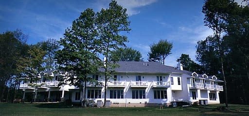 Red Maple Inn Bed & Breakfast